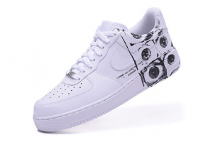 Nike Air Force 1 Supreme x CdG 923044-100
