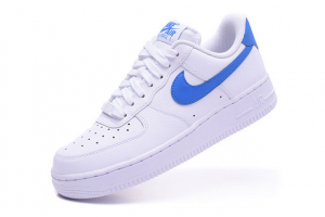 NIKE  AIR FORCE 1 07 SE 896184-100