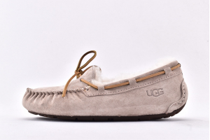 UGG 5612